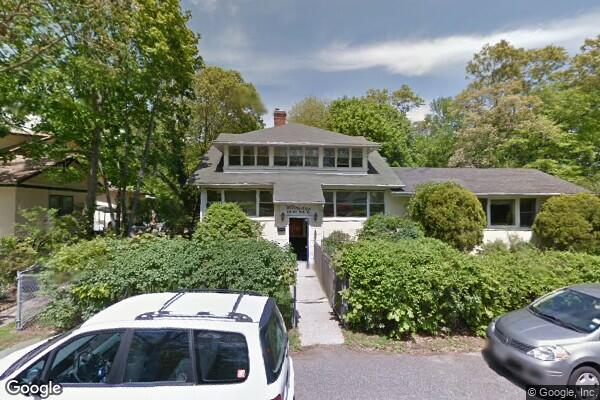 Hidden Gem Home for Adults-Lake Ronkonkoma